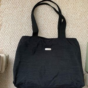 Baggallini black Totebag with pockets